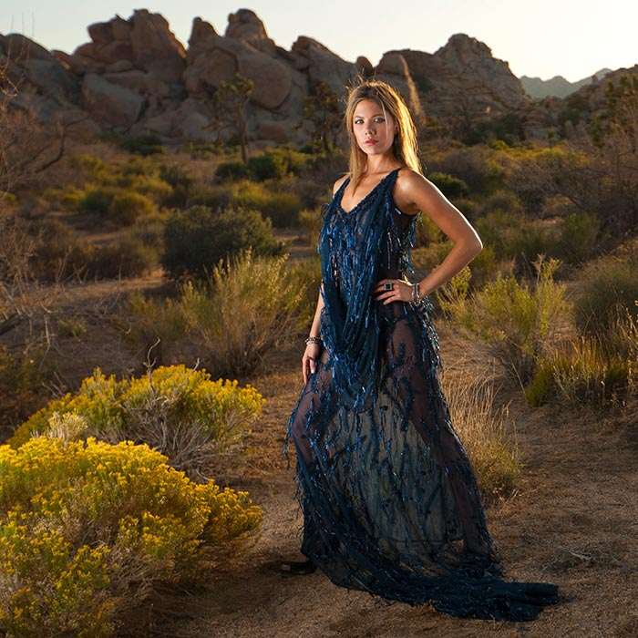 22. Desert fashion shoot with Speedlites